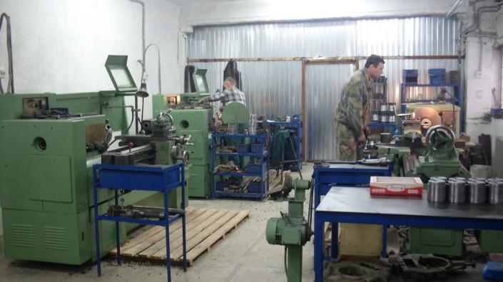 Linha para a produção de elementos estruturais curvos de fibra de vidro ou fibra de basalto.